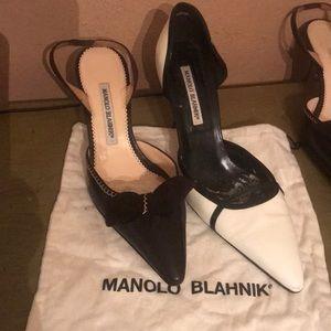 Manolo blahnik bundle of 2 pairs 😳😳